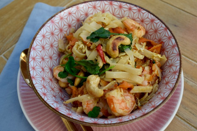 Noodles-prawns-egg-recipe-lucyloves-foodblog