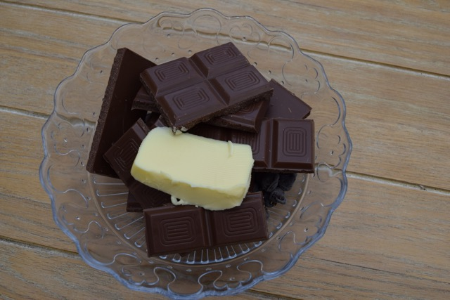 Peanut-Chocolate-Crispy-slice-recipe-lucyloves-foodblog