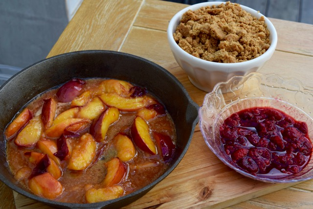 Raspberry-peach-biscuit-crumble-recipe-lucyloves-foodblog