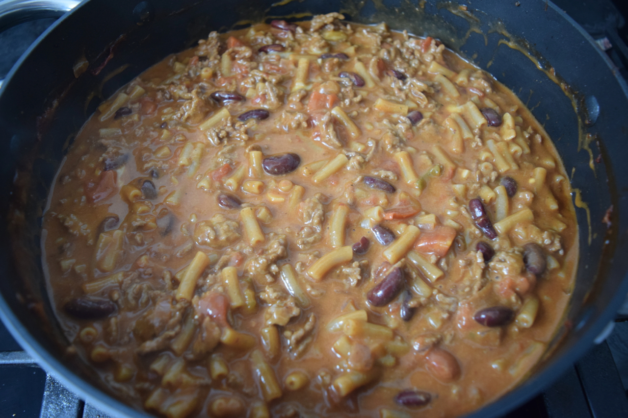 One-pot-chilli-mac-cheese-recipe-lucyloves-foodblog