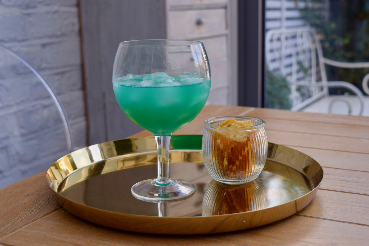 Electric-smurf-cocktail-recipe-lucyloves-foodblog