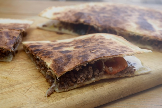 Cheese-burger-quesadillas-recipe-lucyloves-foodblog