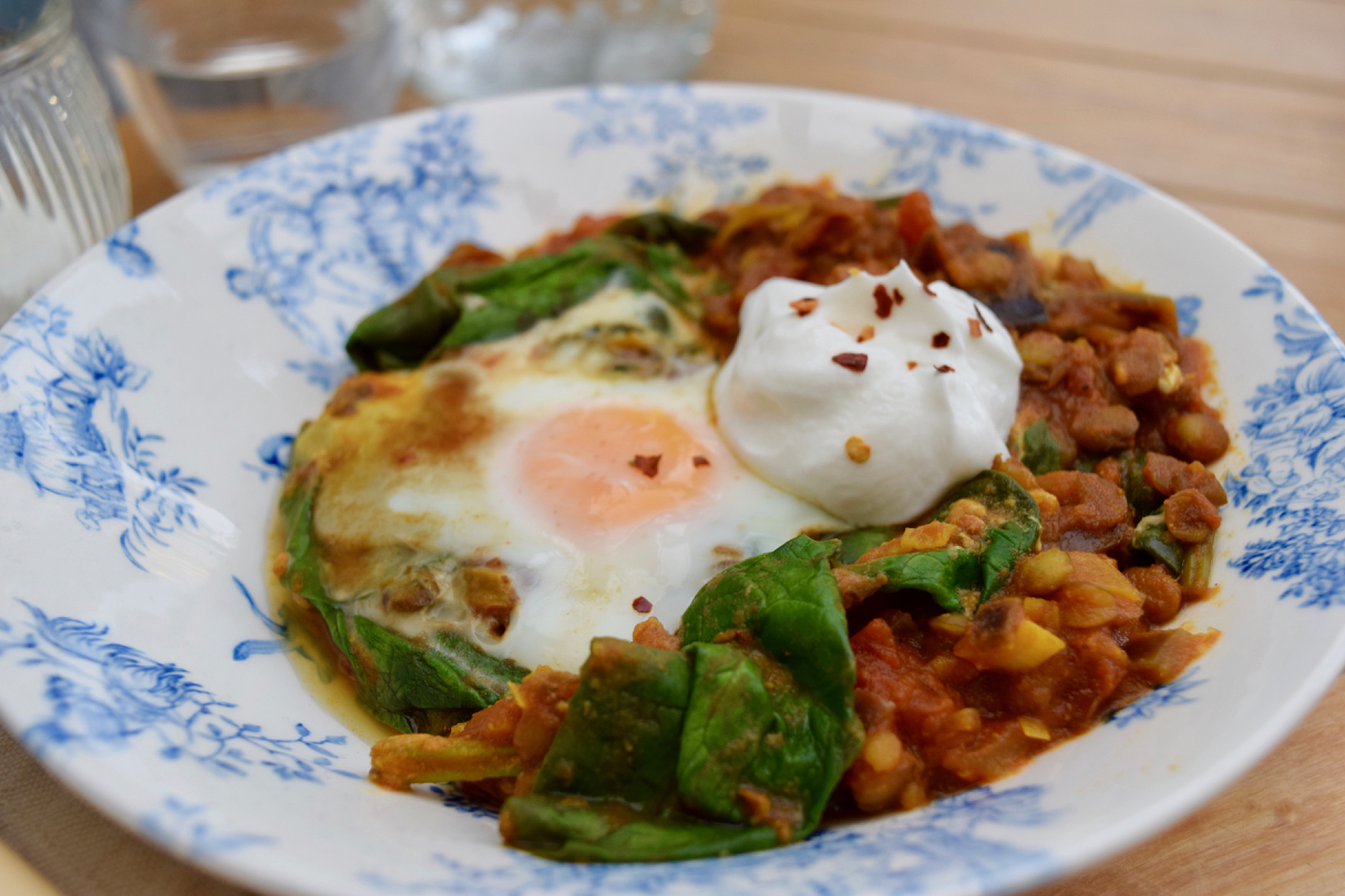 Eggs-with-lentils-spinach-recipe-lucyloves-foodblog