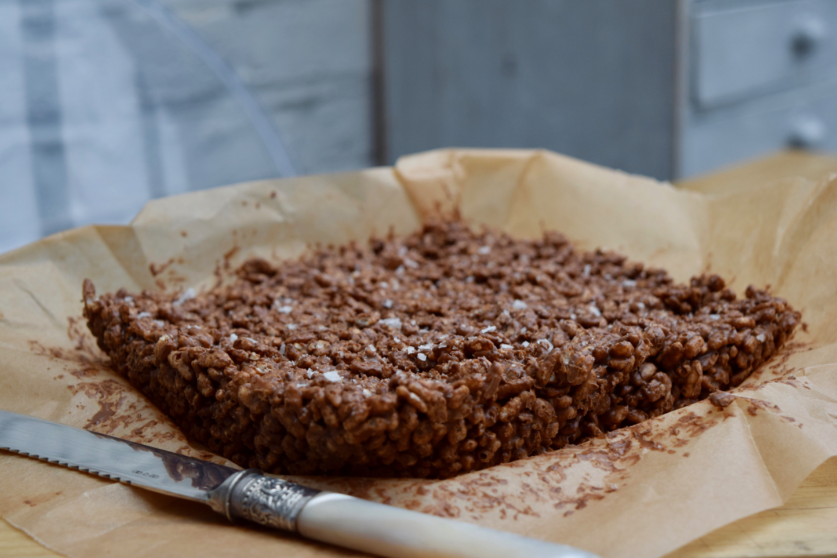 Salted-nutella-krispie-squares-recipe-lucyloves-foodblog