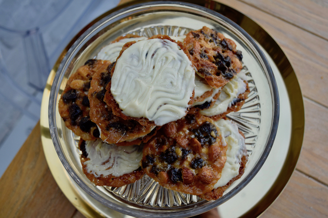 Cherry-white-chocolate-florentines-recipe-lucyloves-foodblog