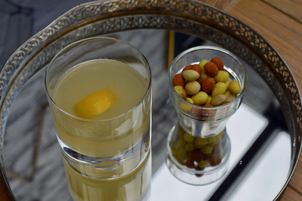 Golden-sour-cocktail-recipe-lucyloves-foodblog