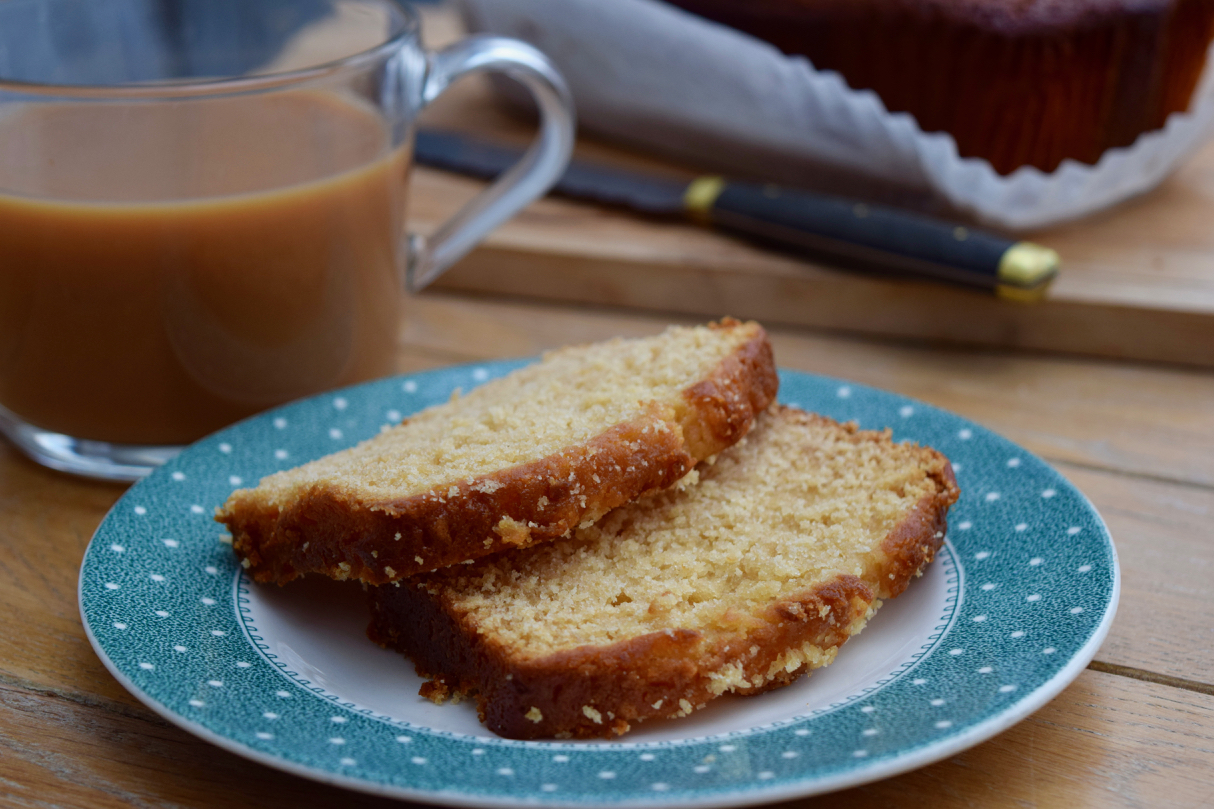 Sticky-syrup-loaf-cake-recipe-lucyloves-foodblog