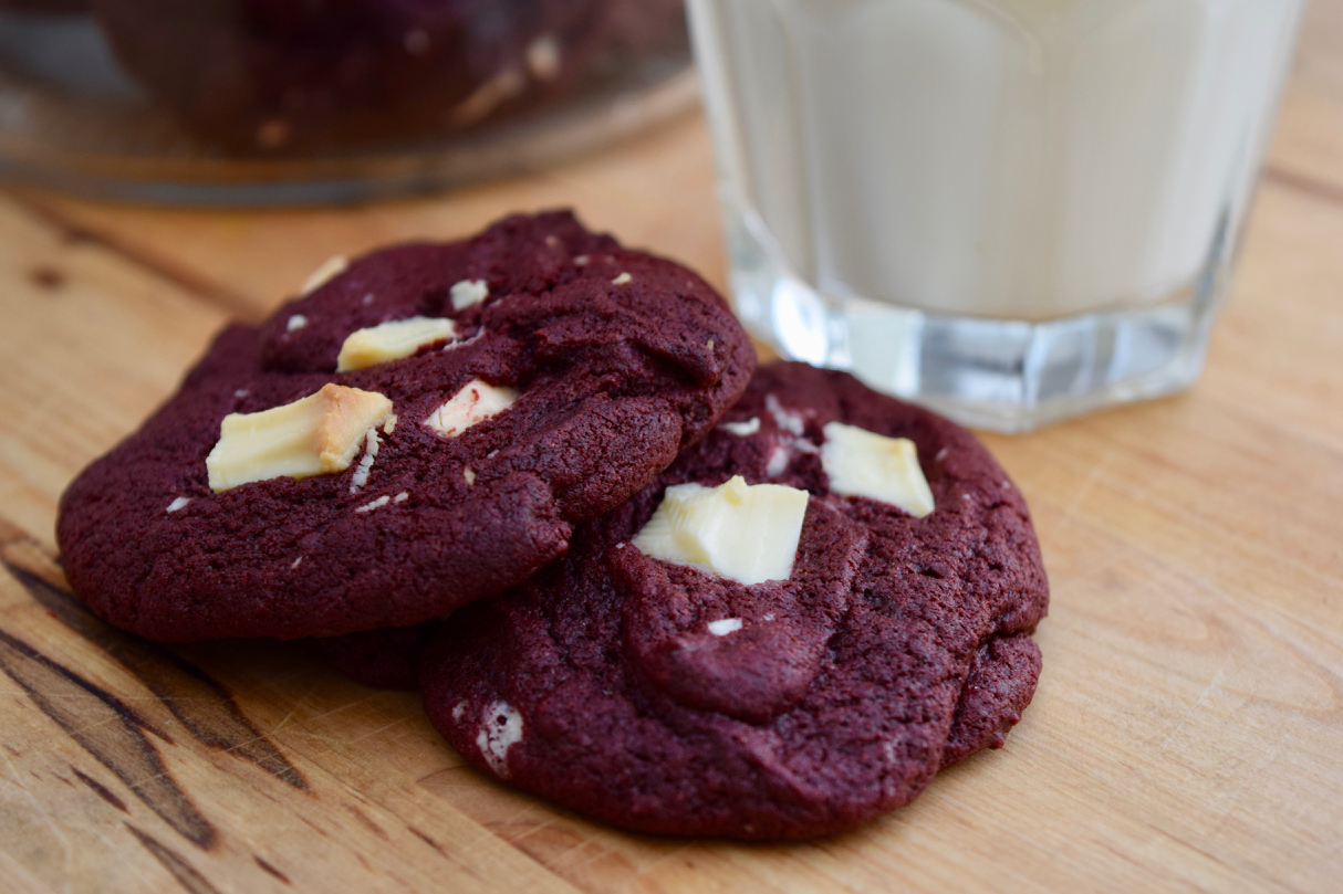 Red-velvet-cookies-recipe-lucyloves-foodblog