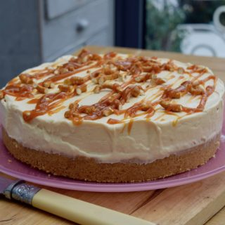 Salted-caramel-cheesecake-recipe-lucyloves-foodblog
