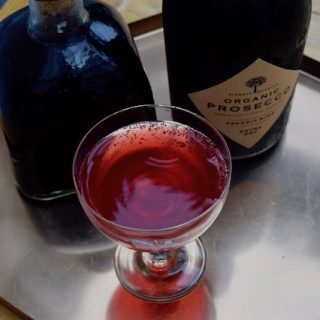 Homemade-blackberry-liqueur-recipe-lucyloves-foodblog