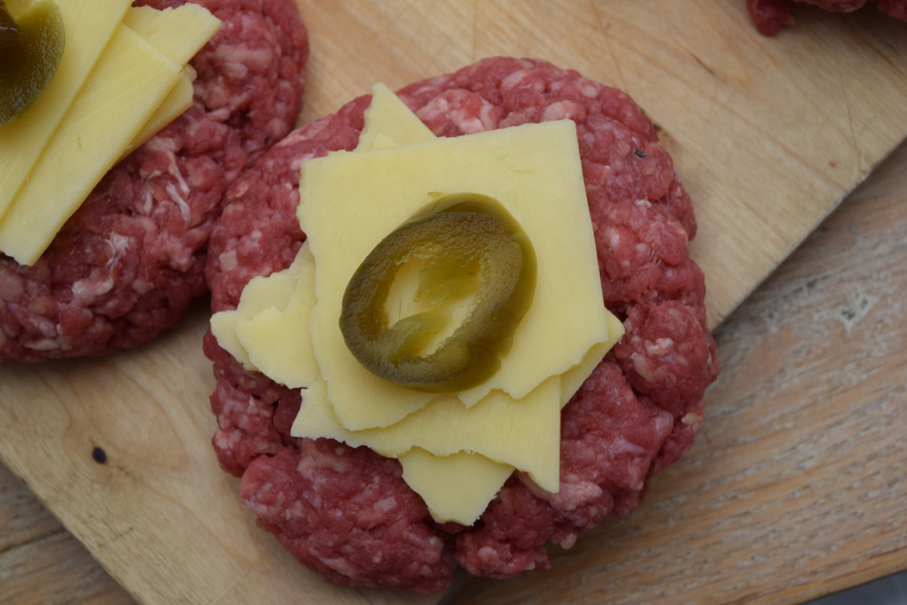 Juicy-lucy-burgers-recipe-lucyloves-foodblog
