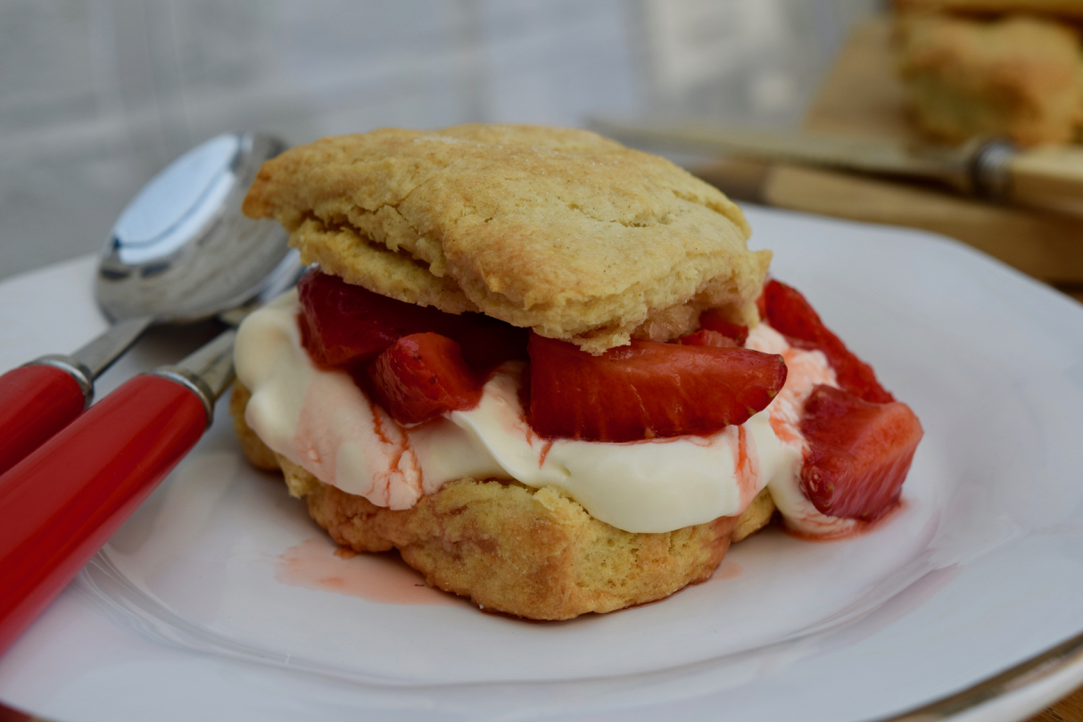 Strawberry-shortcakes-recipe-lucyloves-foodblog