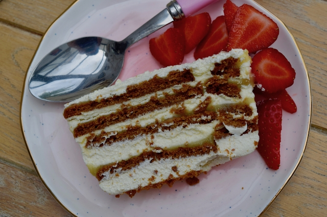 Lemon-biscoff-icebox-cake-recipe-lucyloves-foodblog