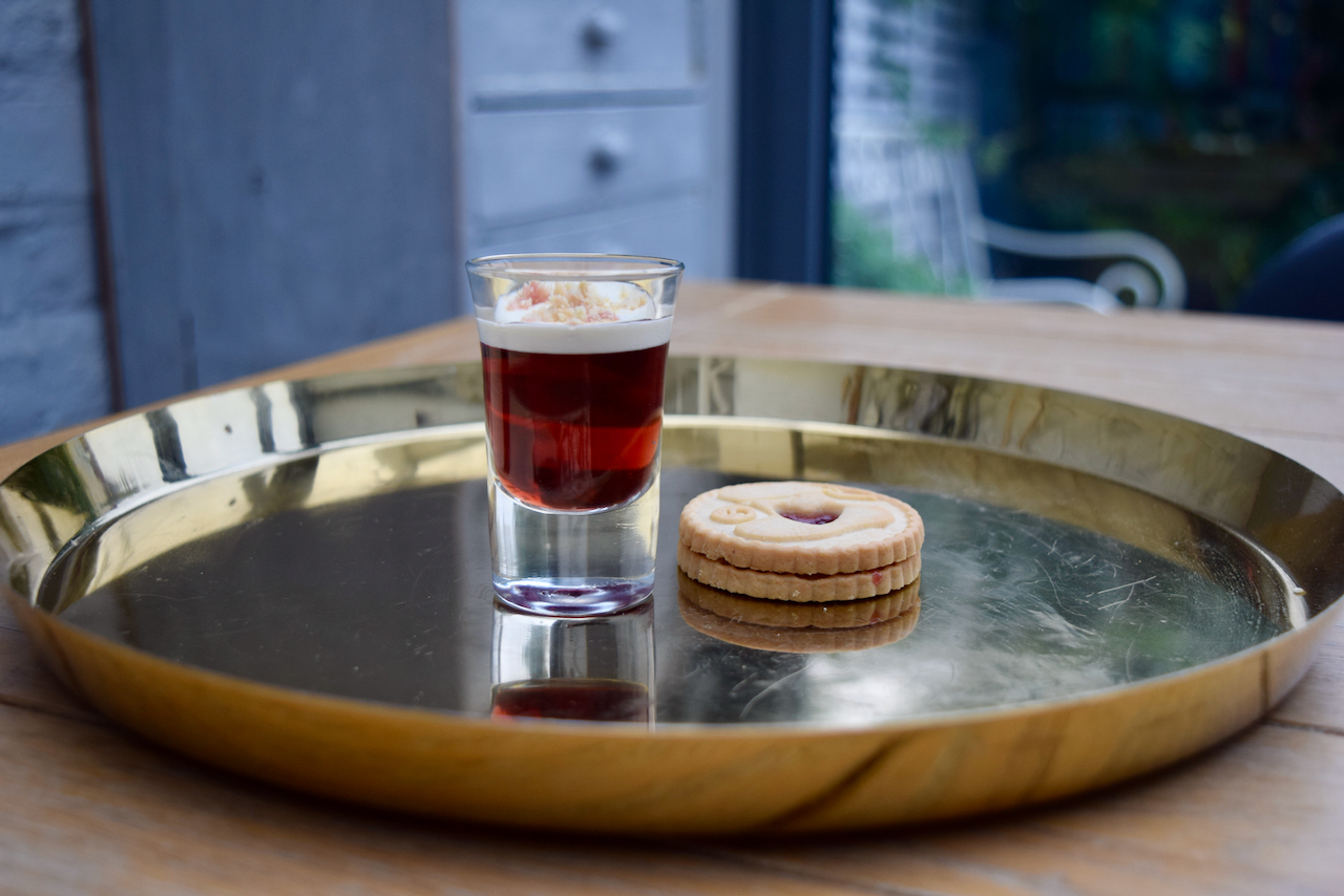 Jammie Dodger Shot from Lucy Loves Food Blog