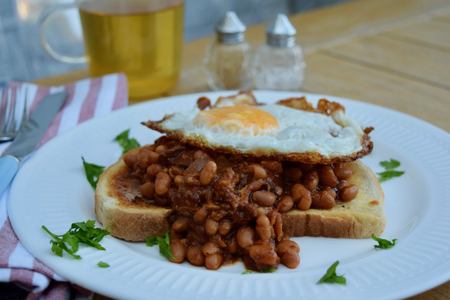 Slow Cooker Bacon Baked Beans recipe from Lucy Loves