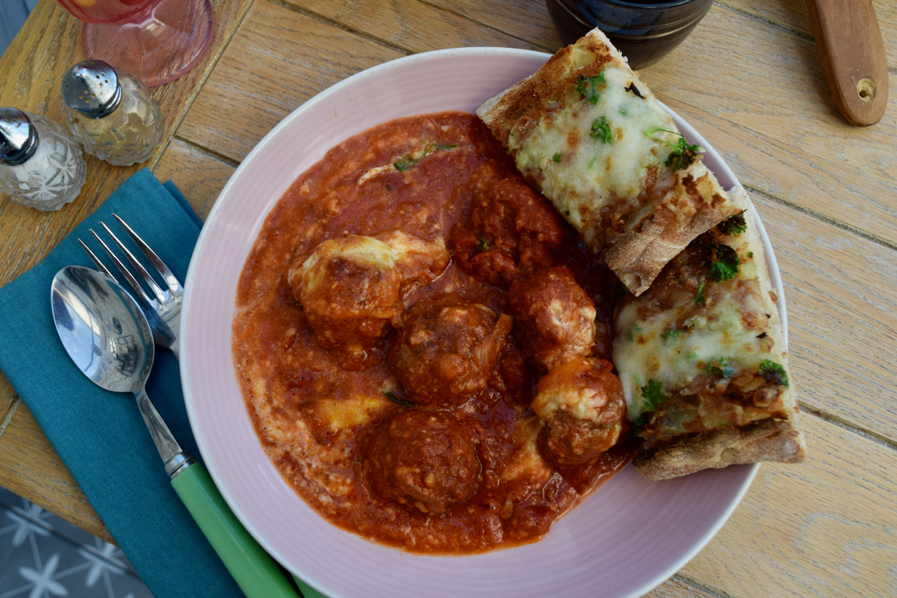 One Pot Meatballs with Cheesy Garlic Bread recipe from Lucy Loves Food Blog