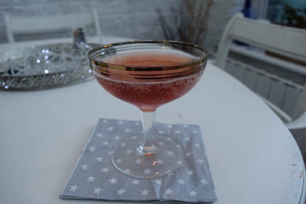 Sloe-motion-cocktail-lucyloves-foodblog