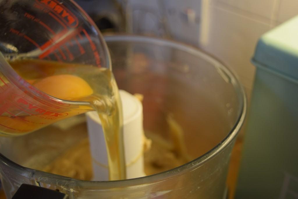 White-chocolate-cinnamon-blondies-lucyloves-foodblog