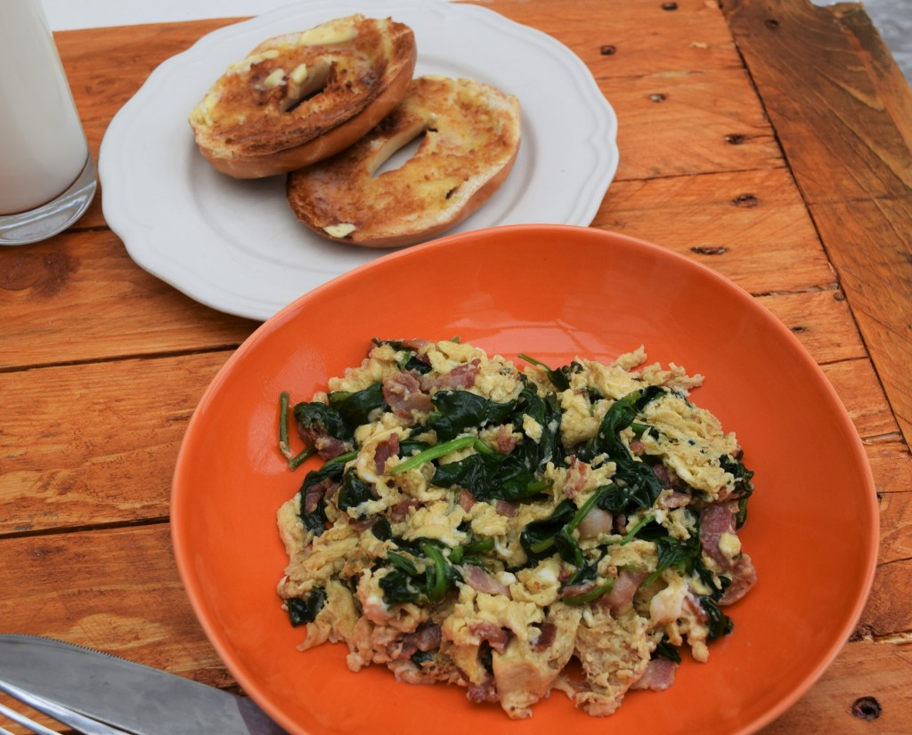 Bacon-spinach-scramble-lucyloves-foodbog