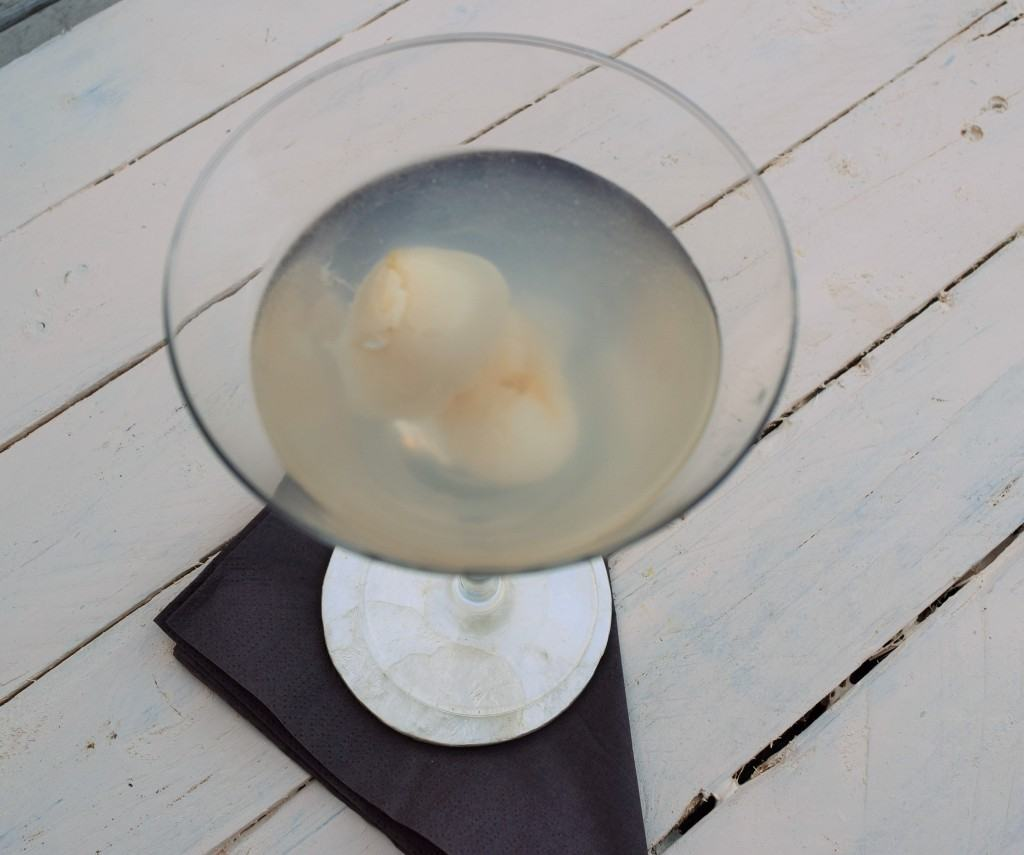 Lychee-martini-lucyloves-foodblog