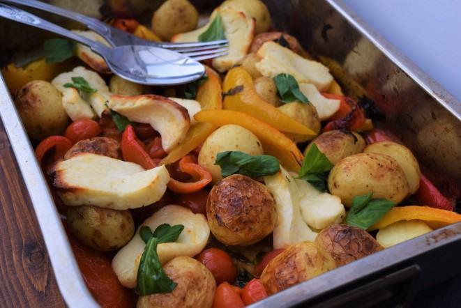 Halloumi-basil-pepper-bake-recipe-lucyloves-foodblog
