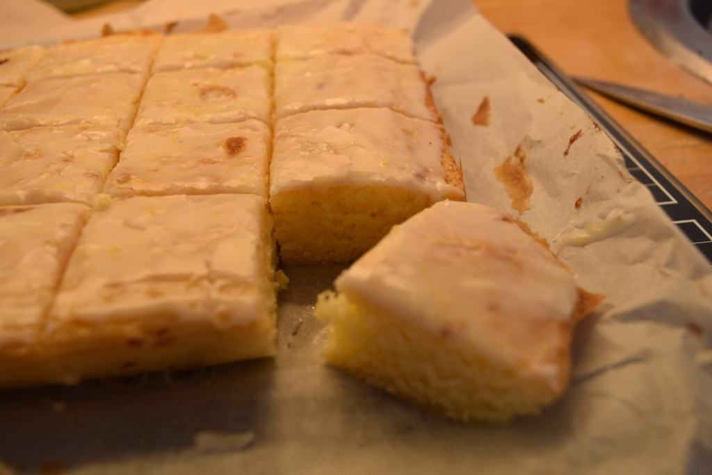 Lemon-blondies-lucyloves-foodblog