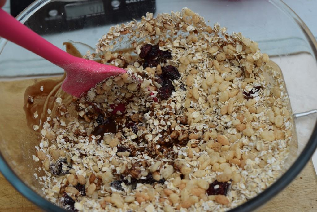 Oat-honeycomb-krispie-cake-lucyloves-foodblog