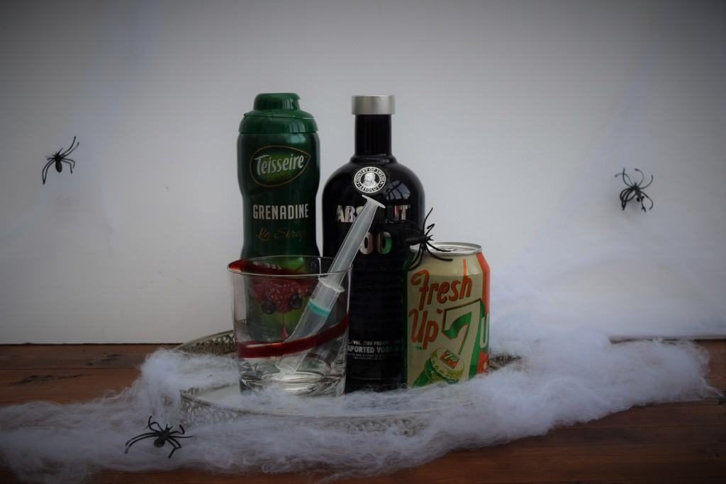 Halloween-dirty-shirley-coctkail-lucyloves-foodblog
