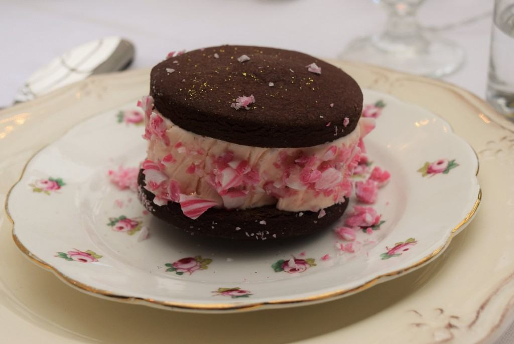 Candy-cane-ice-cream-sandwiches-recipe-lucyloves-foodblog
