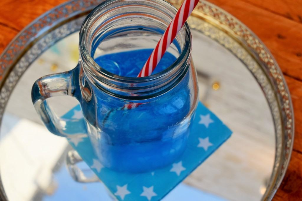 Blue-lagoon-cocktail-lucyloves-foodblog
