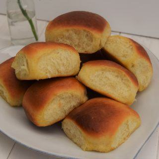One-hour-bread-rolls-lucyloves-foodblog
