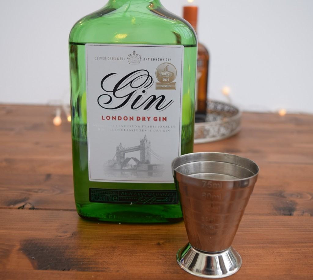 Frosty-christmas-eve-cocktail-lucyloves-foodblog