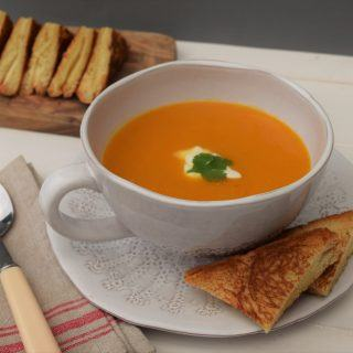 Sweet-potato-soup-recipe-lucyloves-foodblog