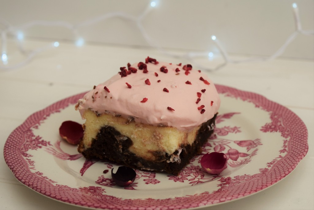Raspberry-cheesecake-brownie-recipe-lucyloves-foodblog
