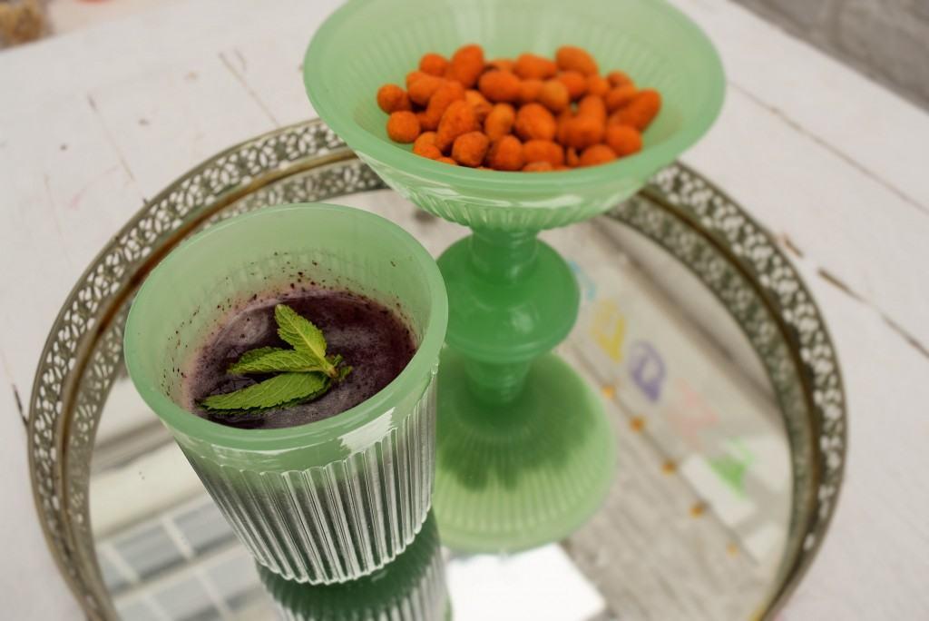 Blueberry-vodka-lemonade-lucyloves-foodblog