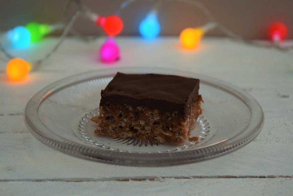 Mars-bar-krispie-slab-recipe-lucyloves-foodblog