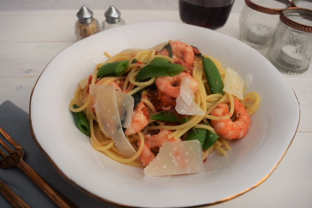 Prawn-chilli-basil-pasta-recipe-lucyloves-foodblog