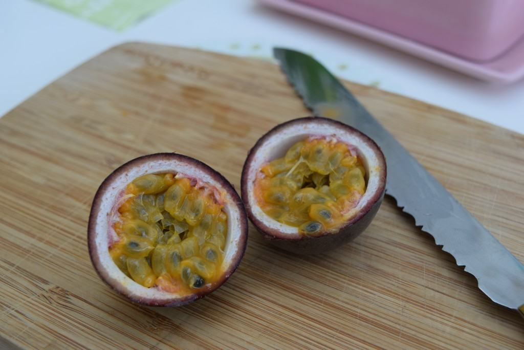 Passionfruit-ginger-spritzer-lucyloves-foodblog