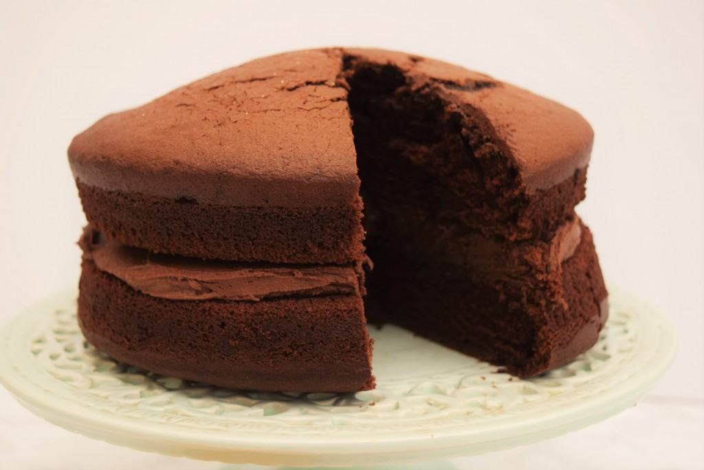 Perfect-chocolate-cake-lucyloves-foodblog