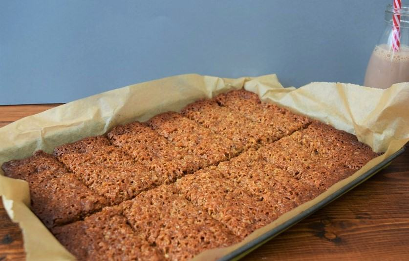 Ginger-coconut-flapjack-recipe-lucyloves-foodblog