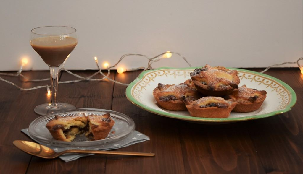 Marizpan-mince-pies-lucyloves-foodblog