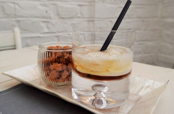 White-russian-cocktail-lucyloves-foodblog