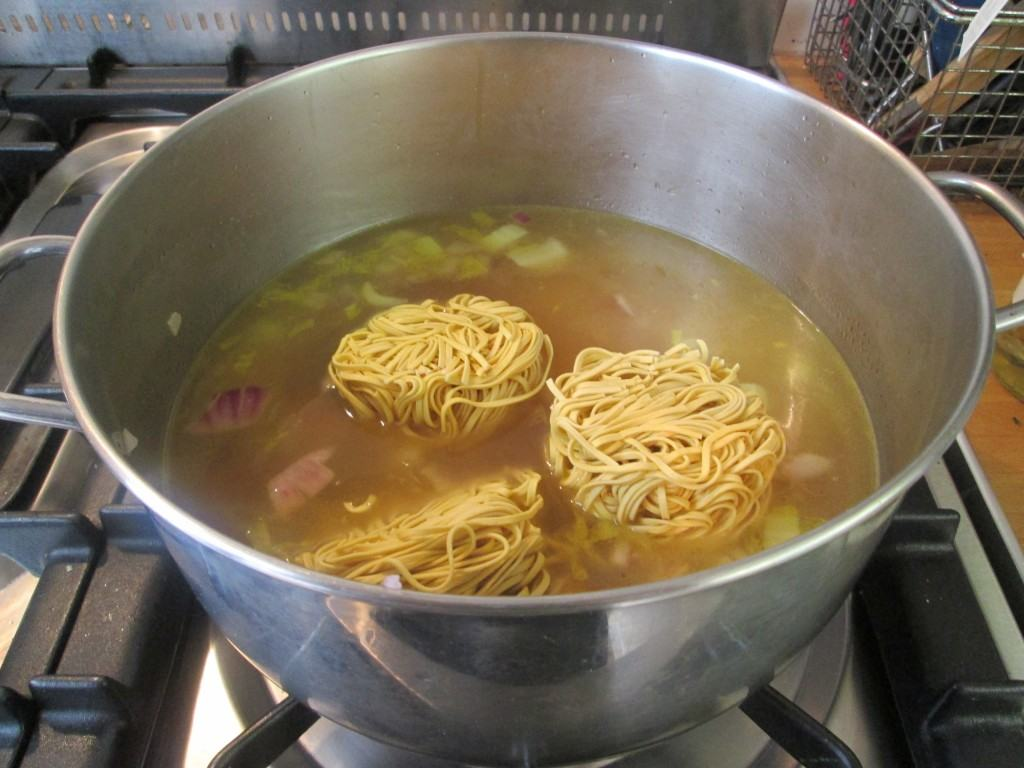 Chicken-noodle-soup-lucyloves-foodblog