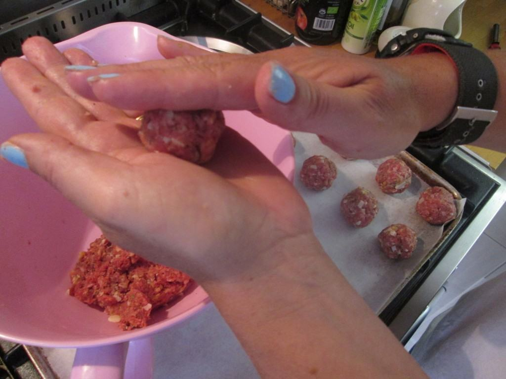 Baked-Meatballs-lucyloves-foodblog