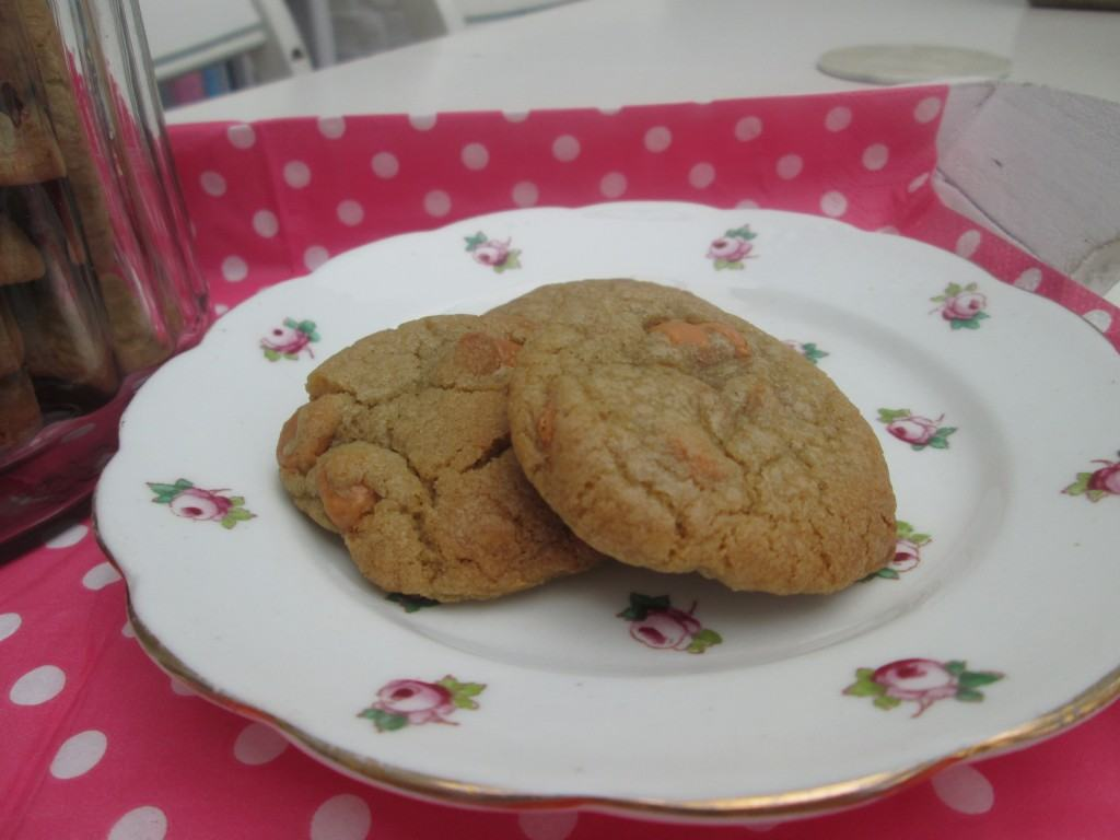 Chocolate-chip-cookie-recipe-lucyloves-foodblog