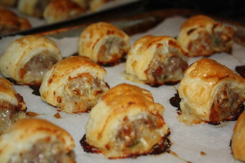 Cocktail-sausage-rolls-lucyloves-foodblog
